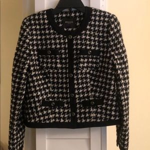 NWT Beulah size Small houndstooth jacket.